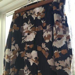 Flowy gray flowery Old Navy skirt A-line 2X